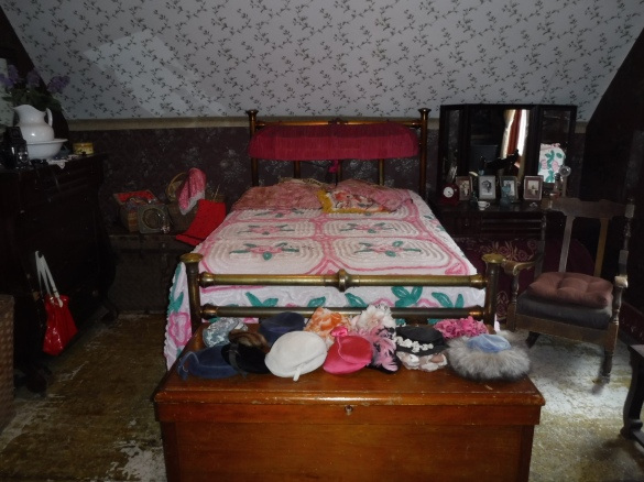C 6 Dolly`s `working bed`